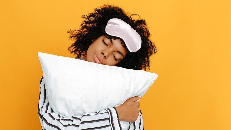 Chica lista para dormir bien