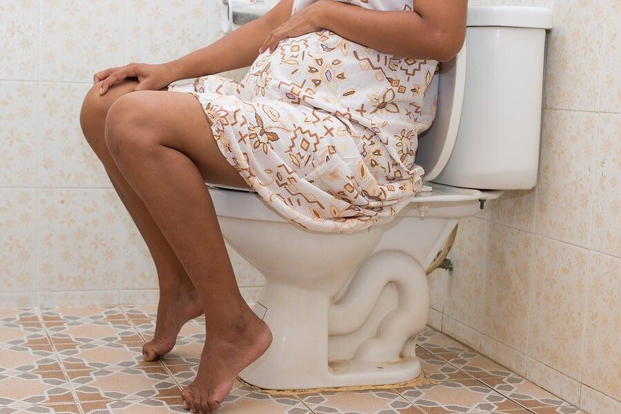mujer embarazada con diarrea